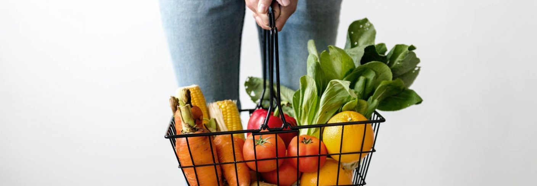 ØKOLOGISKE FORBRUKERVANER: Forbrukere lenger sør i Europa er mer bevisst om de spiser økologisk enn forbrukere i Norge, ifølge en studie utført av Oslo Met. Foto: Foto av rawpixel.com form PxHere