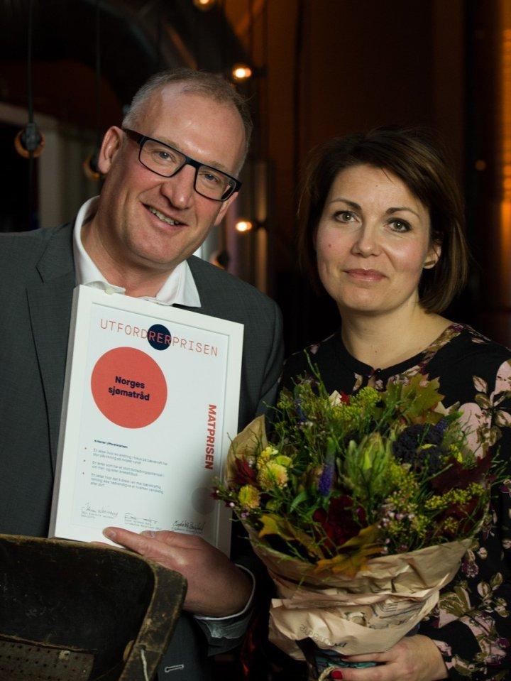 Utfordrerprisen: Dag Sørli og Line Kjelsrup fra Norges Sjømatråd. Foto: Joachim Sollerman