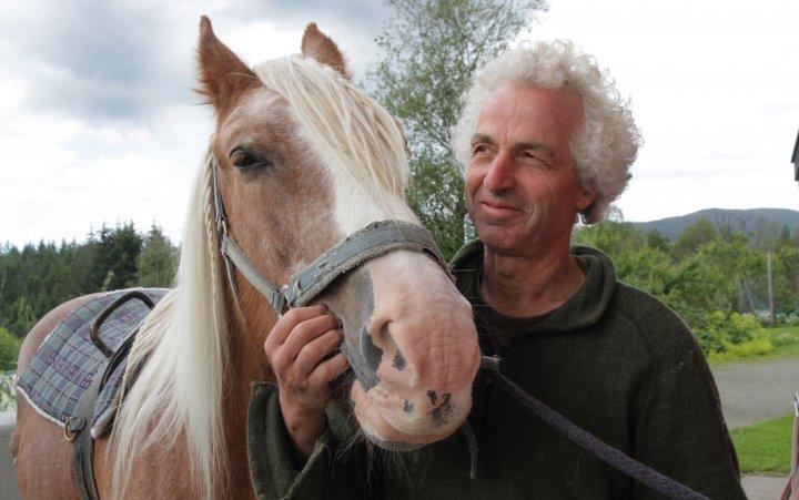 Martin Aeschlimann held kurs i hestehald og køyring og arbeid med hest. . Foto: Anita Land