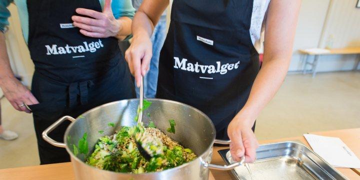 Matvalget hjelper kokker som vil lage økologisk og bærekraftig mat. Foto: Debio